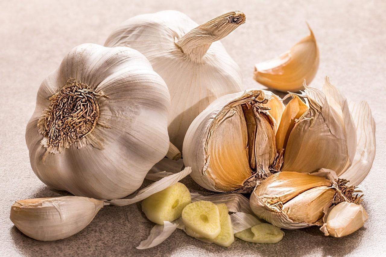 aglio 1556205453 - Perchè l'aglio fa così bene