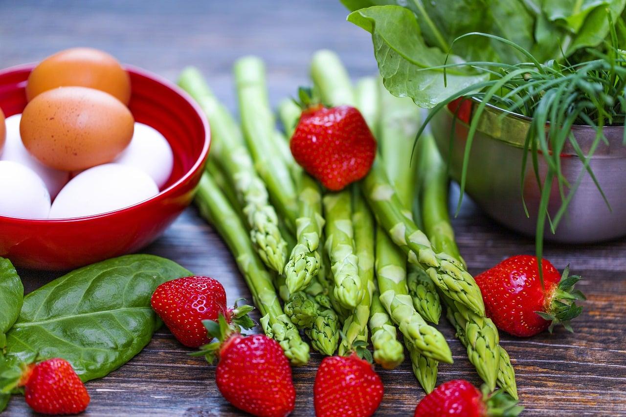 una corretta alimentazione 1571512427 - Alimentazione e sport: come rendere migliori le performance